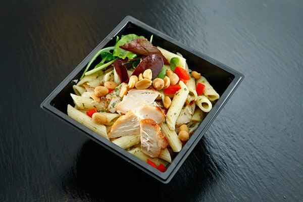 Recetas de tupper para llevar a la oficina ensalada de pasta y pollo