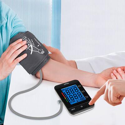 mejores tensiómetros digitales de brazo y muñeca SIMBR